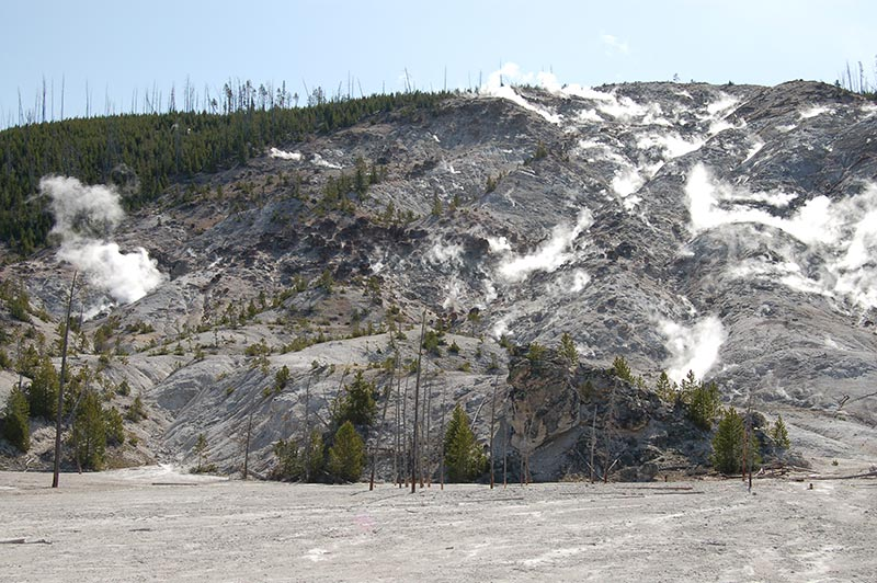 geyser-1-yellowstone-tour-1386