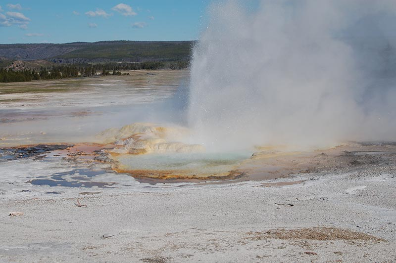 geyser-yellowstone-tour-1384-from-west-yellowstone